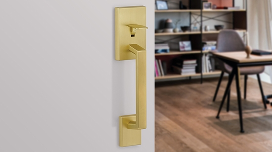Yale Expressions Hardware - Gold Lever
