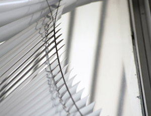 Fixing window blinds